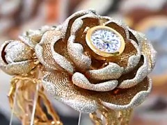 15858顆鑽石!中國「牡丹表」驚艷世界