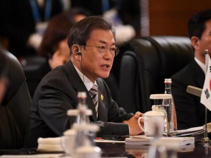 中日韩工商峰会 文在寅强调维护自贸秩序