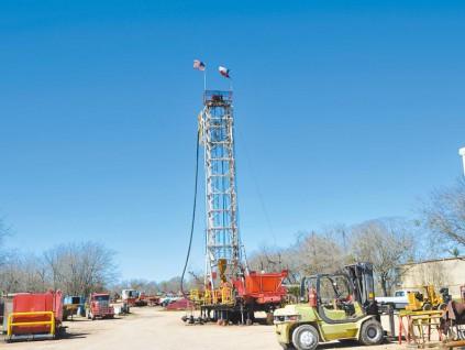中国从美国进口原油 拟增一亿桶储备