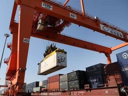 世界贸易组织预测 今年全球贸易将缩减三分一