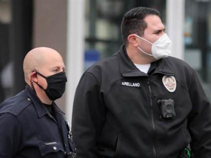 加强防疫 洛杉矶居民外出要戴口罩 专家建议不握手