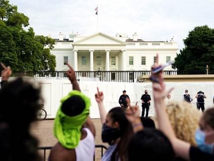 保护白宫!华府正式出动国民兵 纽约警车直衝抗议群眾惊逃