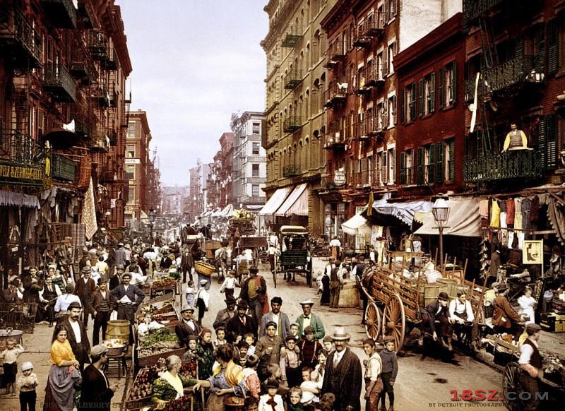 1024px-NYC_Mulberry_Street_3g04637u