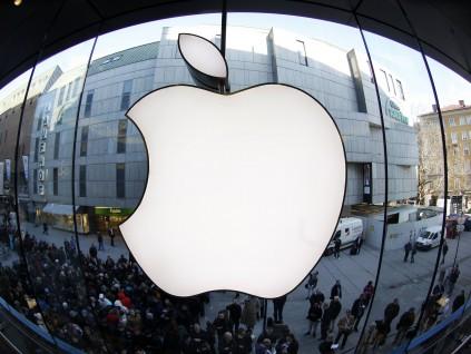 苹果承认新机发布恐延期 料两成iPhone升级需求来自中国