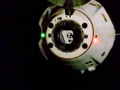 SpaceX飞龙太空船完成64天运行 将载2名太空人返回地球