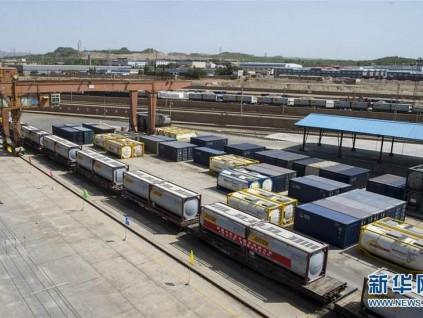 中国7月份出口出现大幅增长 进口则下降