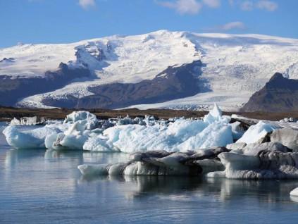 研究显示:过去30年来 全球冰川融湖增加50%