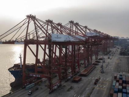 谭雅玲:人民币升值过快危及中国外贸企业