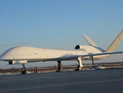 中国首飞新无人机 具备空对面精确打击作战能力