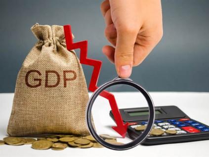 中国经济总量突破100万亿元 人均GDP连续两年上万美元