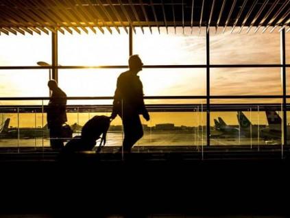 伦敦希思罗机场计划收「新冠肺炎税」 旅客须支付9英镑才能离境