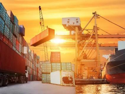 中国1-2月对美出口年增75% 贸易顺差年增88%