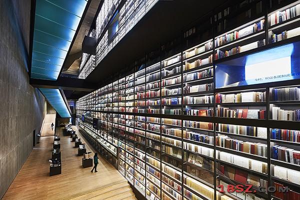 全球最大艺术图书书墙