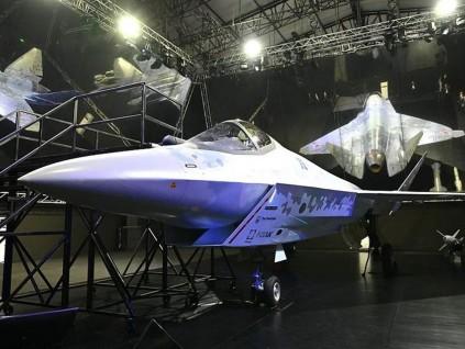 莫斯科航空展开幕普京致词 第5代战机原型亮相
