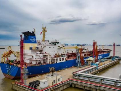 中国船企接单量重回全球第一 约占全球市场四成多