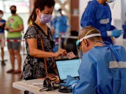 病毒共存政策引社会分歧 新加坡经验不堪借鉴